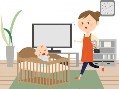 赤ちゃんにかけよる女性